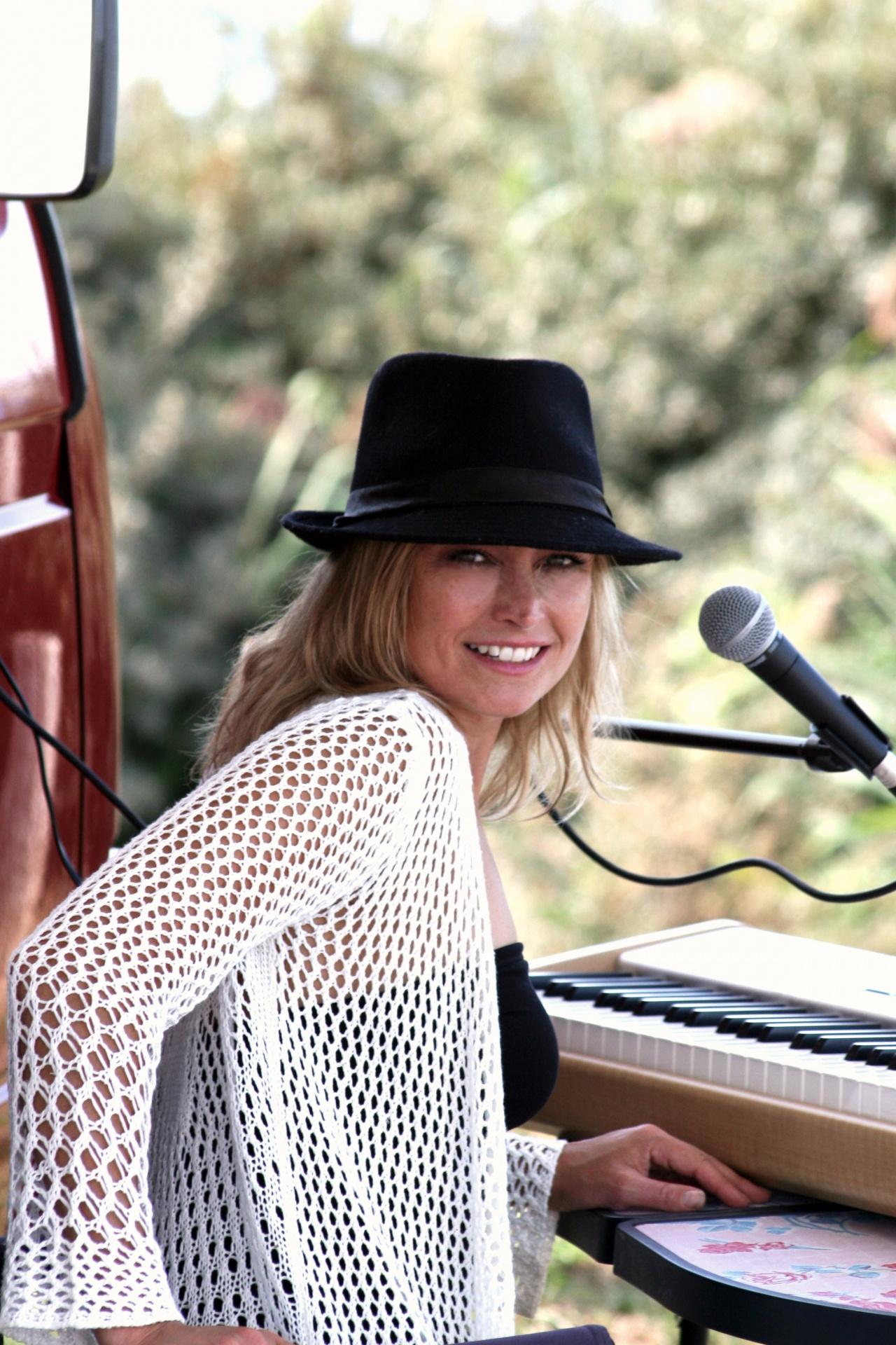 Kirsten Vennix