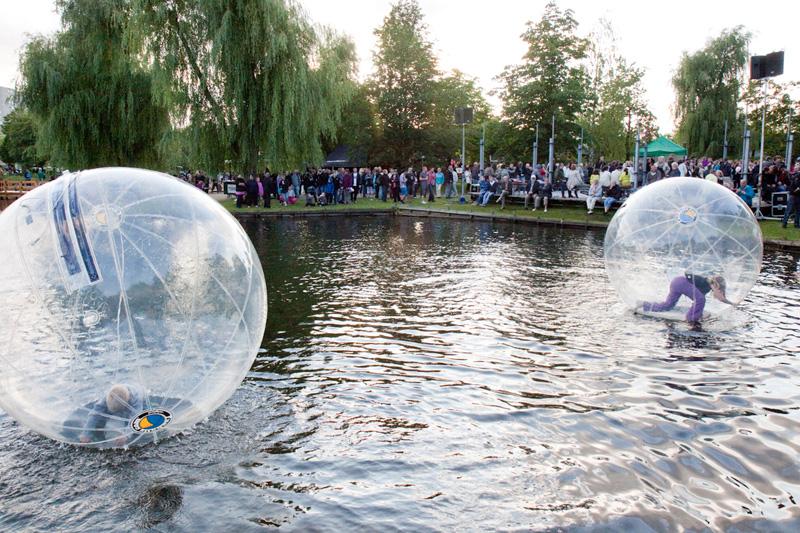 Waterballs_da_110623